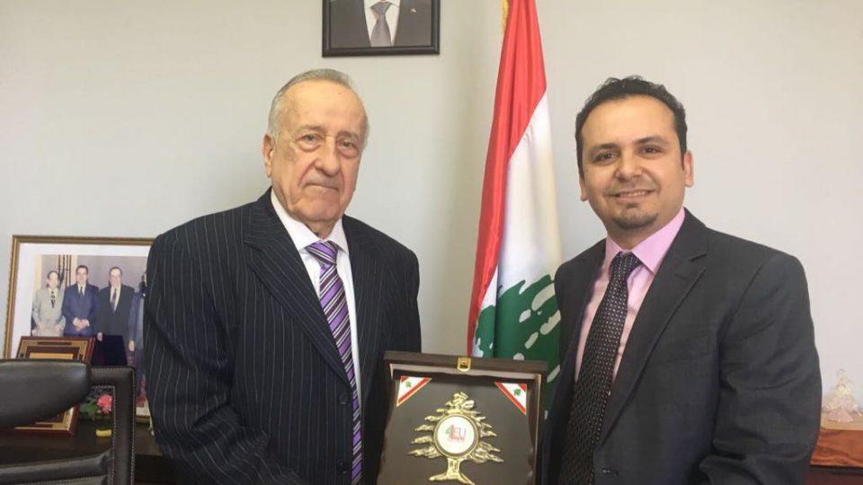 الدكتور حسن تاج الدين مكرماً نقيب محرري الصحافة اللبنانية الاستاذ الياس عون
