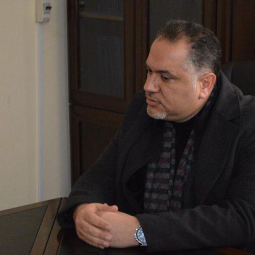 الدكتور حسن تاج الدين مستقبلاً قائد القطاع الغربي لليونيفيل في ثانوية ستارز كولدج